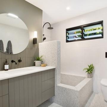 Cedar-Ct-Bathroom